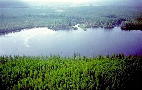 Jezero �eko v tunguské oblasti na Sibi�i