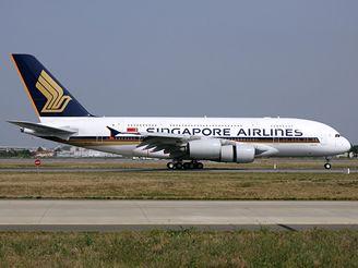 Airbus A380 přistává