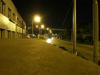 Samsung NV24HD - snímek v noci