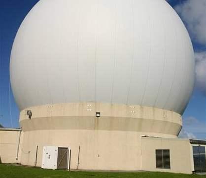 �e�tí experti nav�tívili vojenský radar na Marshallových ostrovech, 3. 10. 2007