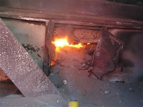 Požár pece na hliník v Horním Benešově