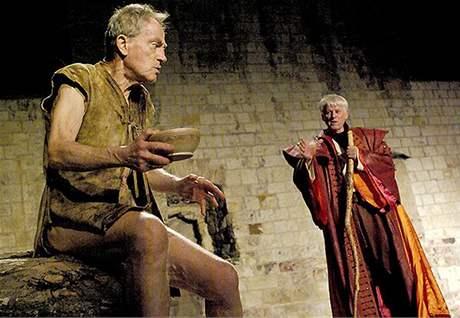 Letní shakespearovské slavnosti - ze hry Bou�e