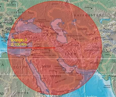 Raketa Šiháb-3 dokáže zasáhnout cíl vzdálený až 2100 km.