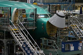 Tov�rna Boeing - polotovar Boeingu 737 - 700