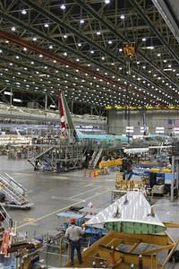 Tov�rna Boeing - mont� k��del