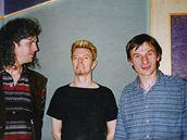 David Bowie ve studiu Sono (vlevo Milan Cimfe, vpravo Pavel Karlík)