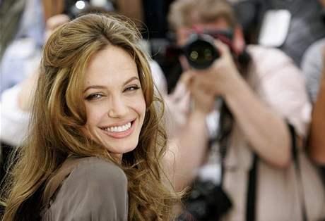 Angelina Jolie musí nabrat kila, aby zvládla natáčení