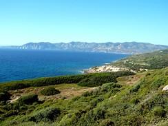 Itálie, pobřeží jižní Sardinie