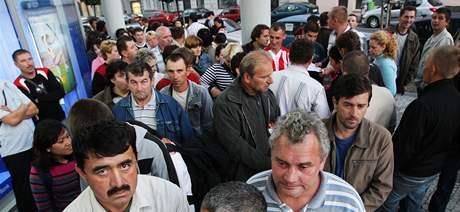 Fronta na vízum před cizineckou policií
