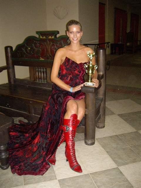 Kristýna Lebedová s jednou z cen, které získala