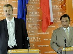 Jiří Paroubek a Jaroslav Tvrdík na tiskové konferenci ČSSD