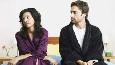 Zahrávat si v kamarádském vztahu se sexem se nemusí vyplatit