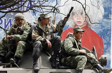 Ruští vojáci na cestě do Jižní Osetie