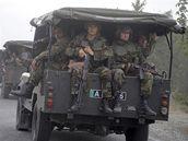 Gruzínští vojáci poblíž jihoosetského hlavního města Cchinvali (8. srpna 2008)