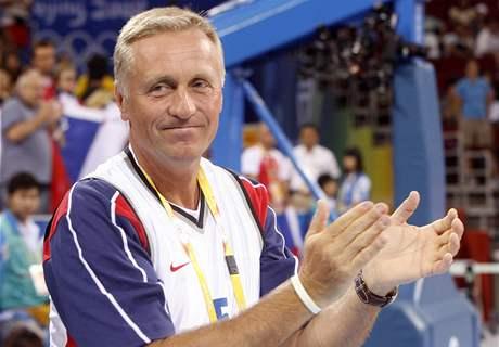 Premiér Topolánek přiletěl do Pekingu podpořit české sportovce.