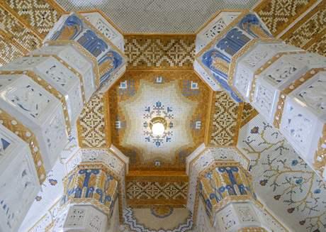 Jedna z nejkrásnějších mozaik u nás - kavárna hotelu Imperial