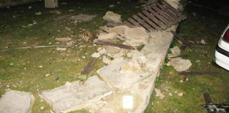 Opilý mladík havaroval s mazdou v obci Kravsko na Znojemsku