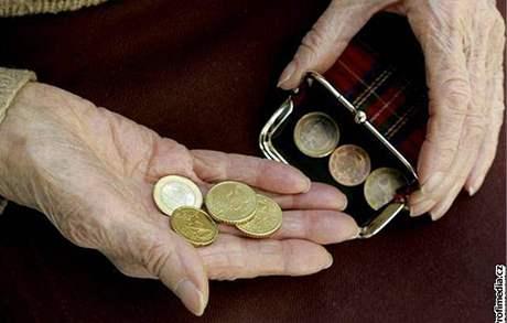 Peníze, penze, důchodci, euro