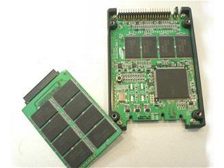SSD v rozebraném stavu