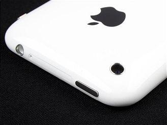 iPhony prý obsadí do roku 2013 téměř 40 procent trhu smartphonů