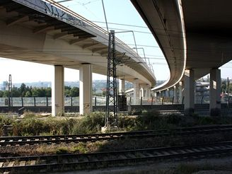 Nové spojení - Estakády u Krejcárku