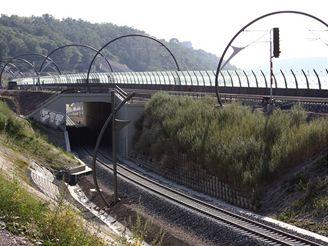 Nov� spojen� - tunelov� most u V�tkovsk� v�hybny