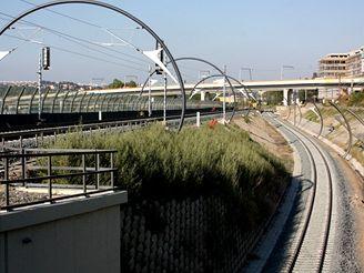 Nové spojení - kolej k tunelovému mostu