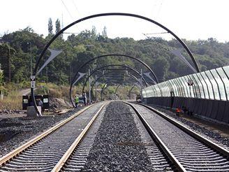 Nov� spojen� -t�leso k tunelu u V�tkovsk� v�hybny