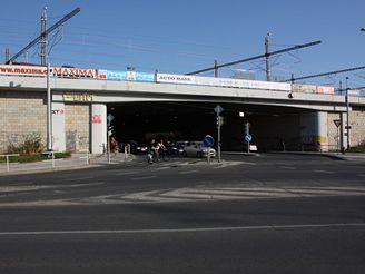 Nov� spojen� - most u Hlavn�ho n�dr.