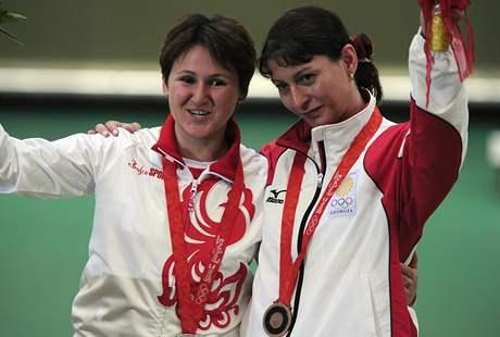 Střelkyně Paděrinová (vlevo) a Salukvadzeová