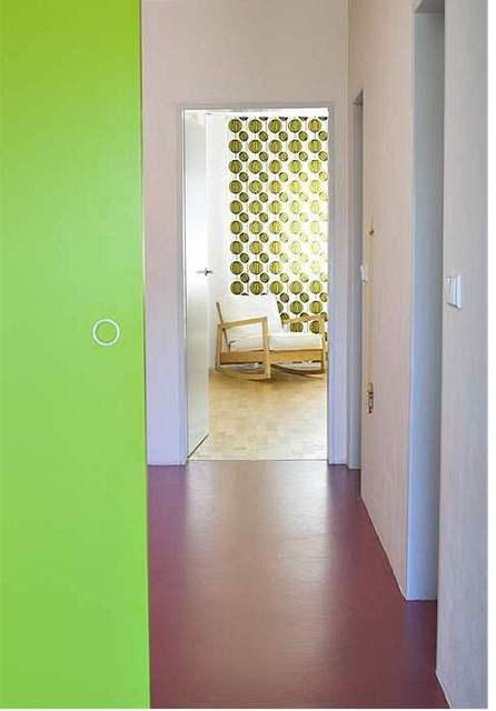 Zelená barva byt skvěle oživuje