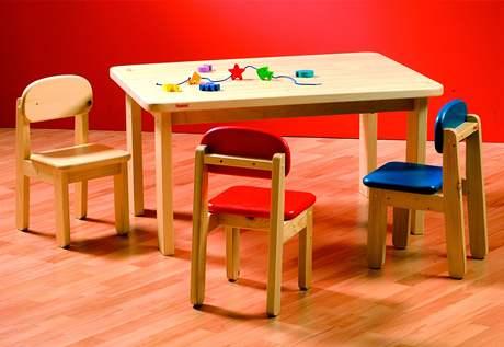 Pracovní stolek a židličky pro předškoláky