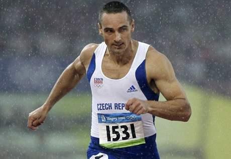 Roman Šebrle v deštivé olympijské stovce