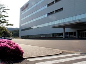 Sharp - Kameyama (příjezd do továrny)