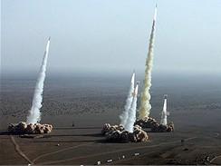 Irán - rakety nad pouští