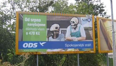 Billboard ODS pomaloval v Brně sprejer lebkami