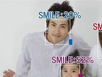 Měření úsměvu - OMRON