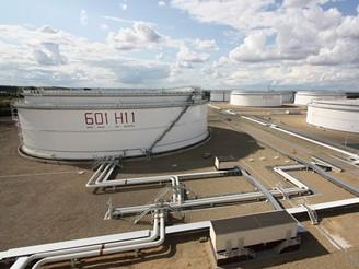 Druhá největší nádrž na ropu před napuštěním