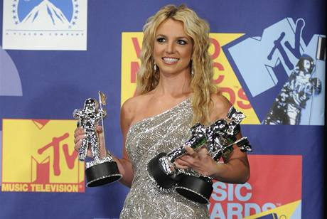 Britney Spears triumfovala, comeback ozdobila třemi cenami MTV.