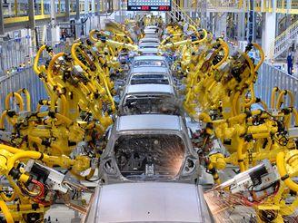 Výroba aut - karosárna