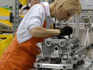 Výroba aut - motorárna