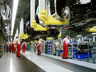 Výroba aut - montovna