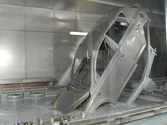 Výroba aut - lakovna