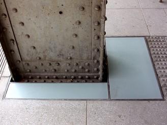 Hlavní nádraží - zasklení ukotvení ocelové konstrukce