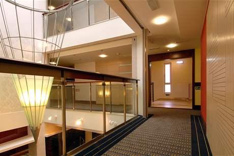 Moderrní architektura využívá v hojné míře sklo