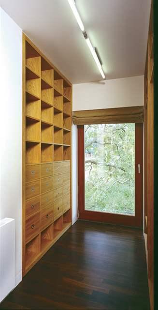 Nový interiér nabízí dostatečné úložné prostory