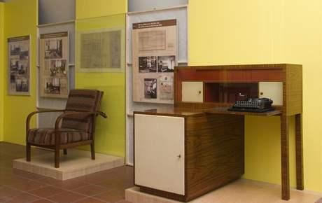 Moderní psací stolek