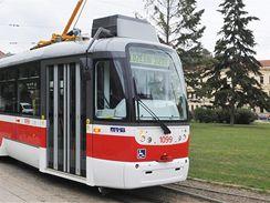 Rekonstruovaná tramvaj VarioLF2 brněnského dopravního podniku