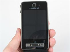 Recenze Samsung F480 telo
