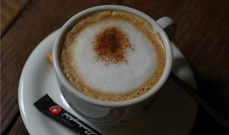 Cappuchino v Cafe Petit